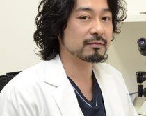 篠原秀勝先生(皮膚科・美容外科)