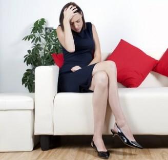32歳フリーターの彼に呆れ…エリートと浮気した女性の心情(イメージ画像)