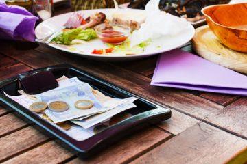 会計は100円玉NG…ひやひやしちゃう驚きの飲食店ルール(イメージ写真)