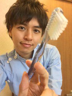 イケメンすぎる歯科医、新井一徳さん
