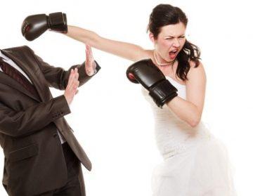 男友達が多いと婚期が遠のく?「妻にしたくない女」の特徴