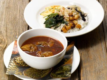 野菜と食べるスパイスチキンカレー ~5種のスリランカ風おかず~