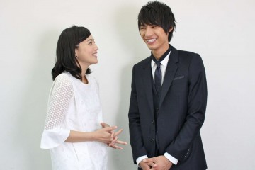 川口春奈と福士蒼汰(インタビュー写真1)