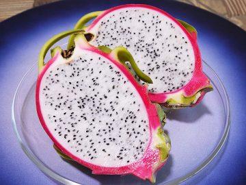夏の果物ドラゴンフルーツ