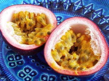 夏の果物パッションフルーツ
