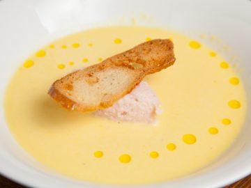ハムのムースとスイートコーンの冷製スープ