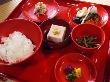 西源院 胡麻豆腐、煮物ほかのセット