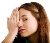老け顔脱出!「眉ケア」で目元の劣化を解消