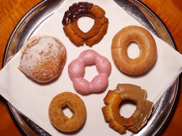セブン-イレブンのドーナツはミスドに勝てるか?先行発売6種をシビアに実食リポート