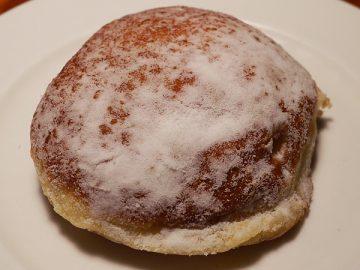 白バラ牛乳のホイップドーナツ