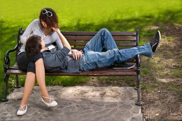 「お金のある熟女と、若い男」の組み合わせはハッピーである