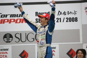 カーレーサーの松田さん