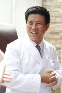 鍼治療体験_劉勇先生