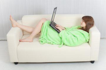 専業主婦になってネット中毒に…夫は「離婚も考えてます」