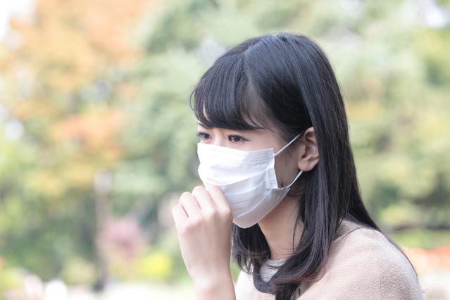 朝起きたら顔がヒドいことに…!本当は怖い「花粉症皮膚炎」