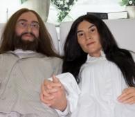 ジョンとヨーコの人形