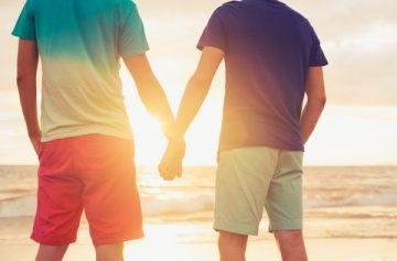 賛否両論の「同性カップル新条例案」に思う、ゲイの本音