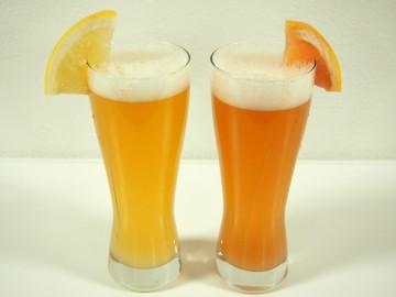 ホワイトグレープフルーツビール(左)とルビーグレープフルーツビール