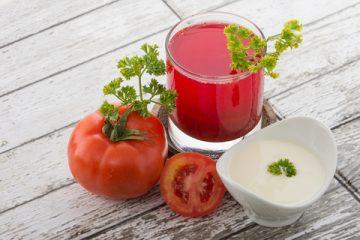 トマト、ヨーグルト