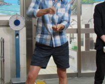 まさかのクッキング・ダンスを披露する寺田さん