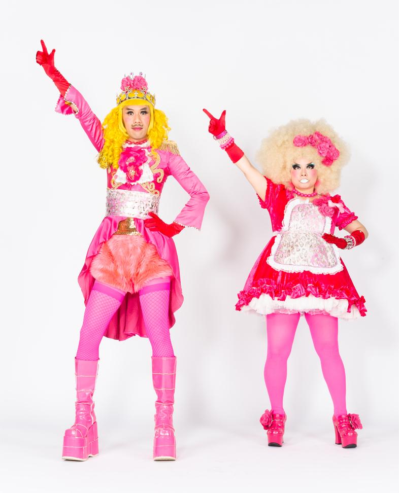 左が「男装の麗人」TOBIさん、右が「しゃべらないキャラ」のMIYAさん