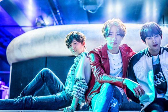 (左から)スヒョン(U-KISS)、ジュン(U-KISS)、ジェヒョ(Block B)