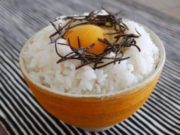 小松こんぶの卵かけごはん