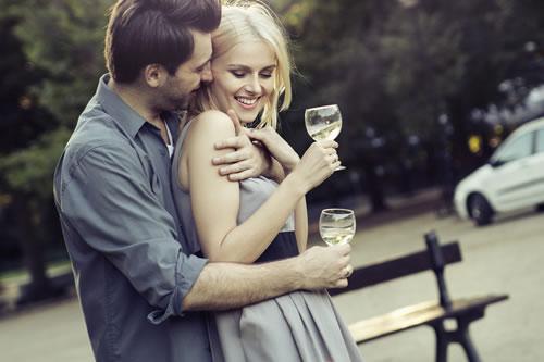 一回り以上年齢の離れている男性との恋愛はアリ?