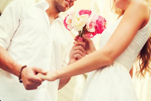 「付き合おう」は日本だけ?!外国の恋愛・告白ルール