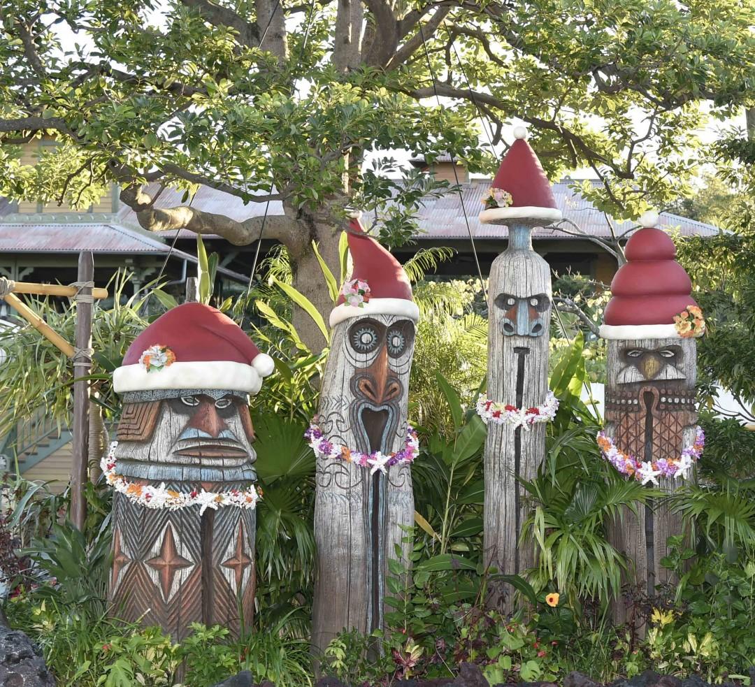 アドベンチャーランドの木彫り