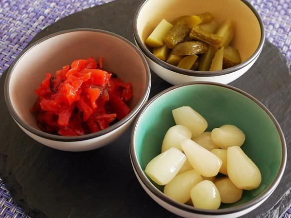 Fukujinzuke pickles, rakkyo