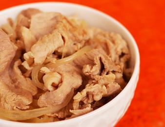 吉野家の「豚丼」復活!話題の味をおうちで再現してみた