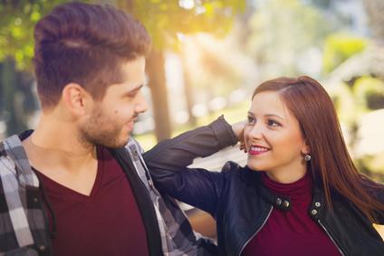 好きな男性をデートに誘う5つの方法