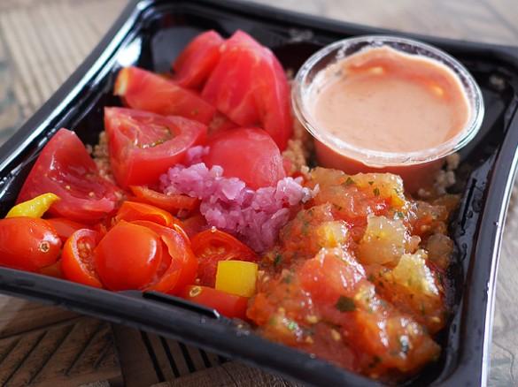 トマトづくしのサウザンサラダ