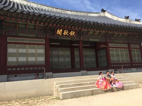 景福宮(キョンボックン)でチマチョゴリ