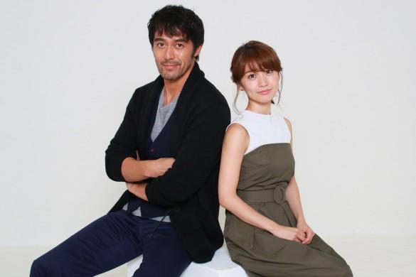 阿部寛さん(左)大島優子さん