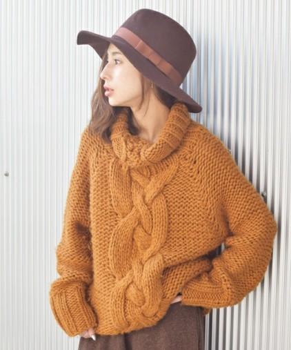 セーター黄色