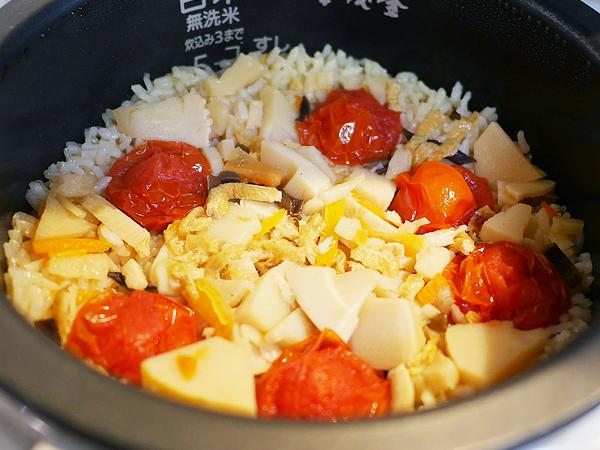 トマトの炊き込みご飯 炊きあがり