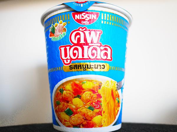 タイ日清 カップヌードル ムーマナオ味1