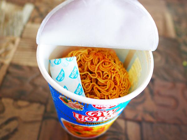 タイ日清 カップヌードル ムーマナオ味2
