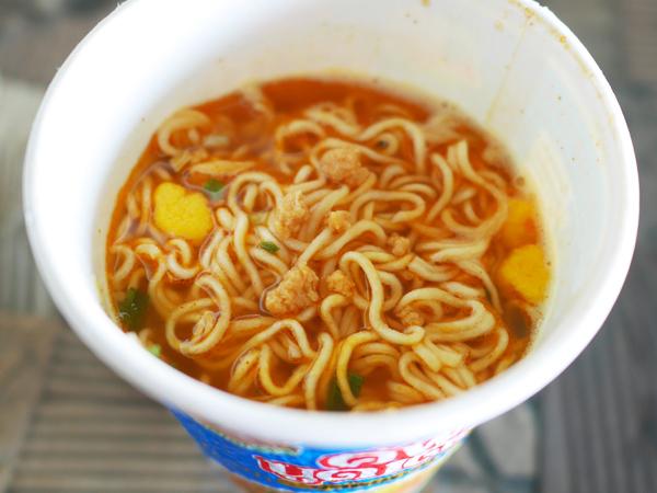 タイ日清 カップヌードル ムーマナオ味3