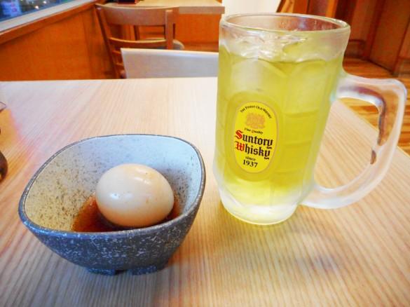吉野家 吉呑み(よしのみ)煮玉子100円と緑茶割り300円