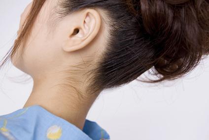 首下の産毛