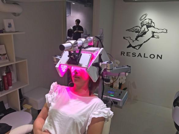 育毛と美髪の専門サロンRESALON スペシャル育毛コース 近赤外線で活性化
