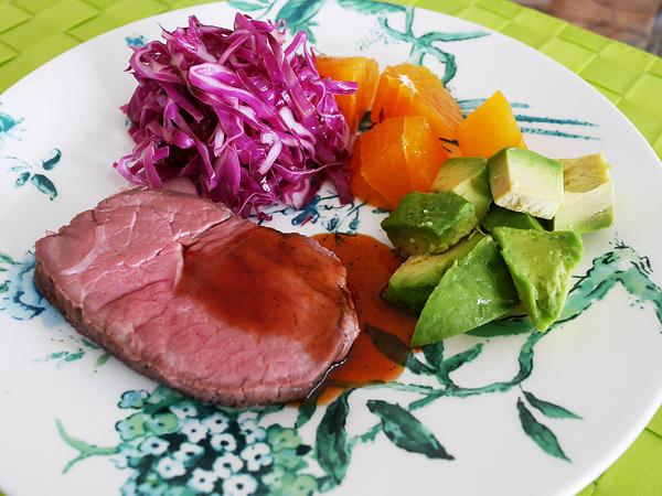 お肉と紫キャベツのシンプルマリネ 盛り付け