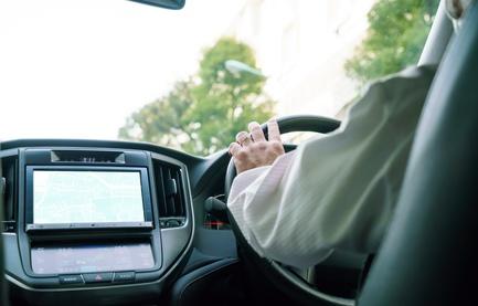 車のシートにゼクシィの先制パンチ