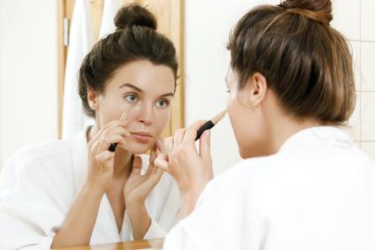 コンシーラーの油分が化粧崩れを起こしがち