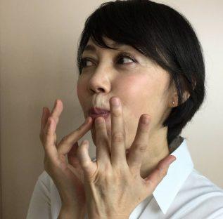 唇刺激エクササイズ2