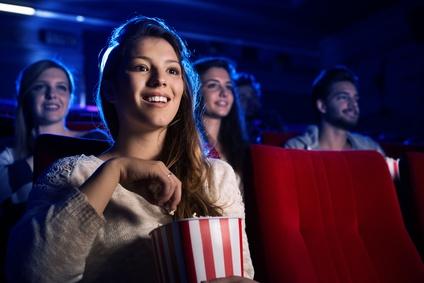 ひとりで映画館