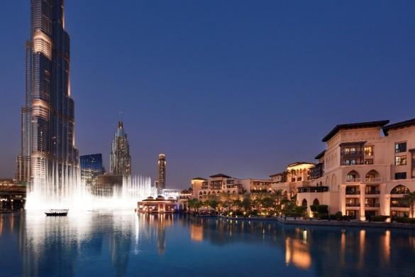 ドバイファウンテン。砂漠に作られた街だからこそ、水への尽きせぬ憧れがあるのかもしれません  写真/The Palace Downtown Dubai